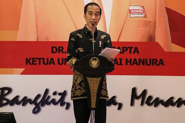 Presiden Joko Widodo menyampaikan arahan pada Pembekalan Calon Anggota DPR Partai Hanura di Ancol, Jakarta, Rabu (7/11/2018). Presiden memberikan arahan kepada 427 orang Calon Anggota DPR Partai Hanura periode 2019-2024. - Antara