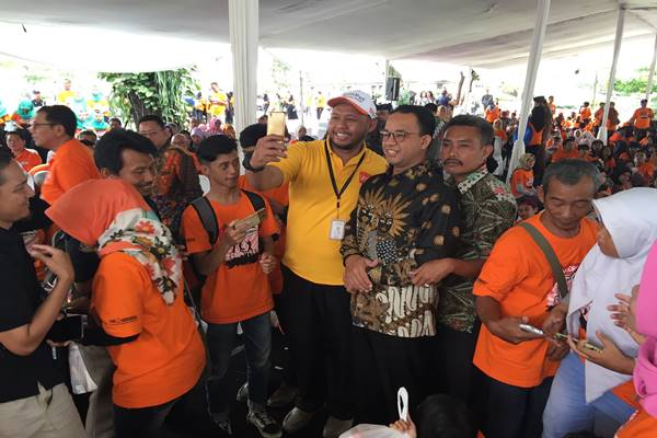 Gubernur DKI Jakarta Anies Baswedan menghadiri Jambore Ceria Anak Indonesia di Gedung Sate, Bandung, Rabu (28/11). JIBI/BISNIS - Wisnu Wage