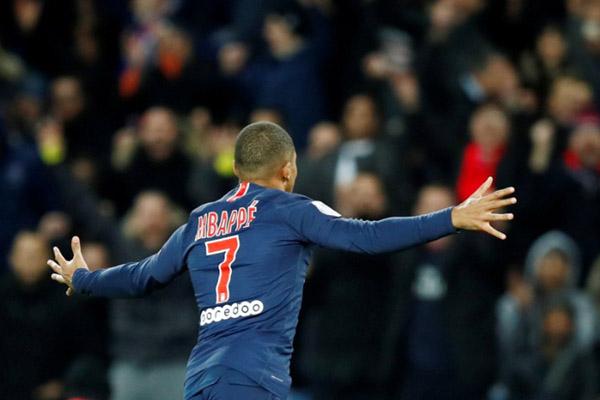 Penyerang Paris Saint-Germain Kylian Mbappe - Reuters/Christian Hartmann