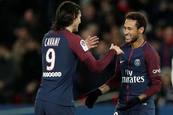 Dua bomber Paris Saint-Germain, Edinson Cavani (kiri) dan Neymar da Silva Jr. - Reuters/Benoit Tessier