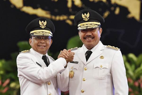 Gubernur Bali I Wayan Koster (kiri) bersama Wakil Gubernur Tjokorda Oka Artha Ardhana Sukawati. - ANTARA/Puspa Perwitasari