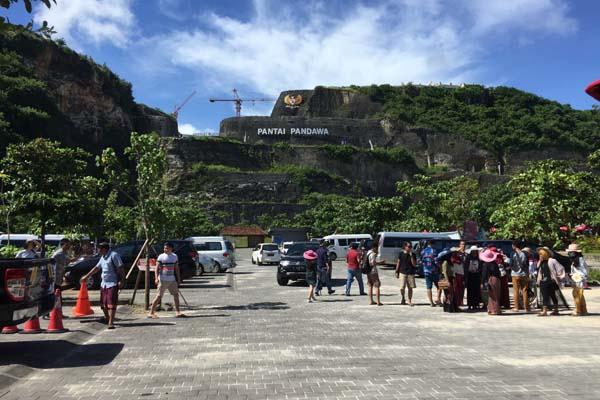 Ilustrasi: Pantai Pandawa di Badung, Bali. - Bisnis/Feri Kristianto
