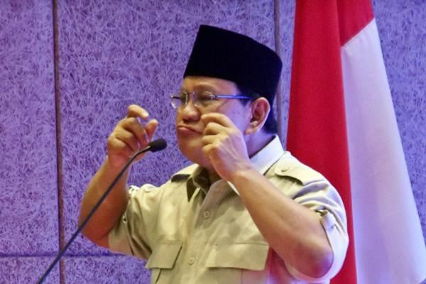 Calon Presiden nomer urut 02 Prabowo Subianto menyampaikan pidato saat berkampanye di Wujil, Kabupaten Semarang, Senin (29/10/2018). - ANTARA/Aditya Pradana Putra