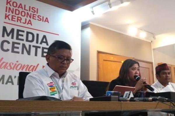Sekretaris Tim Kampanye Nasional Hasto Kristiyanto, Direktur Komunikasi Politik TKN Jokowi-Maruf, Meutya Viada Hafid./JIBI - BISNIS/Muhamad Ridwan