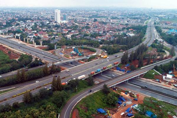 Ilustrasi: Foto aerial suasana lalu-lintas jalan tol Cikampek, di kawasan Bekasi, Jawa Barat, saat lengang Senin (12/3/2018). - JIBI/Nurul Hidayat