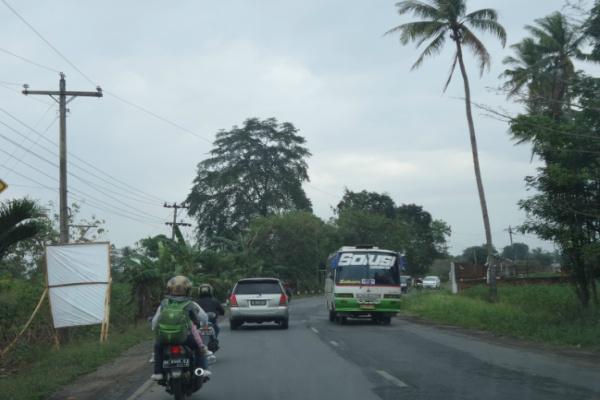 Jalan lintas Sumatra - Bisnis/Akhirul Anwar