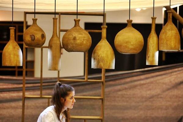 Ilustrasi: Pengunjung berada di salah satu stand pameran furnitur. - JIBI/Dwi Prasetya