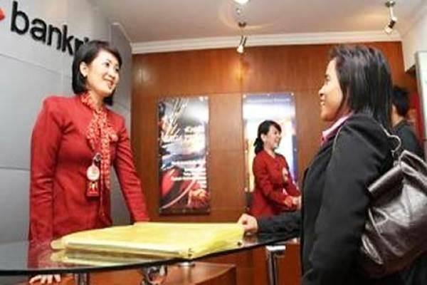 Aktivitas di kantor Bank Riau Kepri - Bisnis