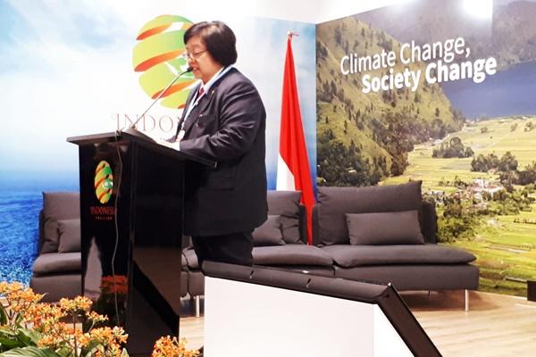 Menteri Lingkungan Hidup Dan Kehutanan Siti Nurbaya Bakar memberikan sambutan di Pavilion Indonesia di sela-sela penyelenggaran COP 24 di Katowice, Polandia - Istimewa