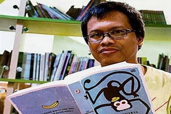Penulis Eka Kurniawan - Facebook