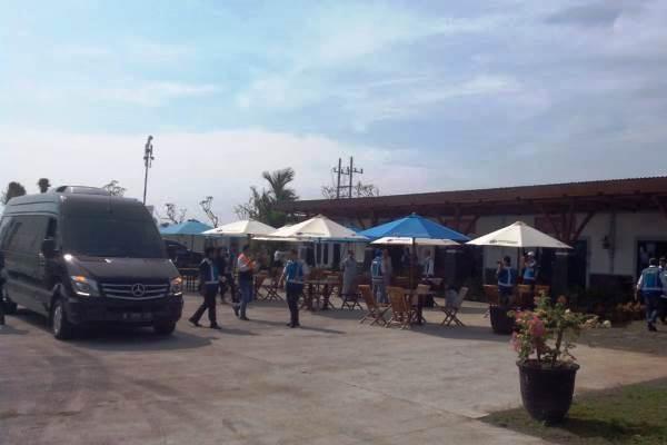 Suasana di tempat istirahat di KM 597 jalan tol Ngawi--Kertosono. (Zufrizal - Bisnis)