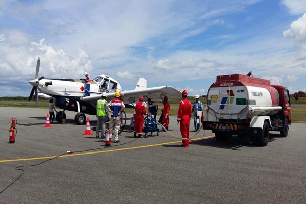 Pesawat Air Tractor yang digunakan oleh Pertamina untuk mengirim Solar ke Kecamatan Krayan (9/6/2016). - Dok. PT Pertamina