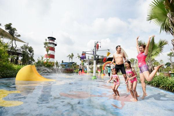 Pengunjung menikmati wahana wisata air di Jogja Bay Waterpark beberapa waktu lalu.Ist/Jogja Bay Waterpark