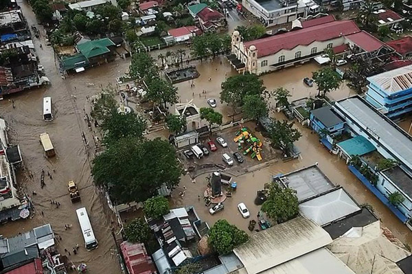 Topan menghantam Filipina, menewaskan sedikitnya 22 orang, serta memicu longsor dan banjir. - RTE