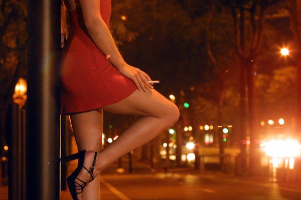 Ilustrasi prostitusi - youthconnect.in