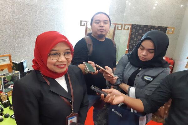 Kepala Perwakilan Bank Indonesia Sumatra Selatan Yunita Resmi Sari (kiri). - Bisnis/Dinda Wulandari