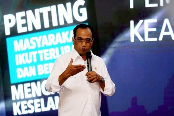 Menteri Perhubungan Budi Karya Sumadi menyampaikan paparan pada Dialog Nasional Sinergi Membangun Bangsa di kampus UPI, Bandung, Jawa Barat, Kamis (2/8/2018). - JIBI/Rachman
