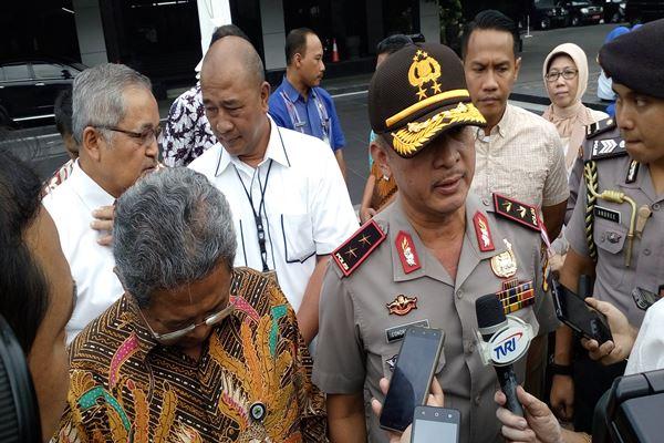 Kapolda Jateng Irjen Pol Condro Kirono Saat memberikan keterangan kepada wartawan, Rabu (16/5), di Semarang Jawa Tengah.-JIBI -  Alif Nazzala Rizqi