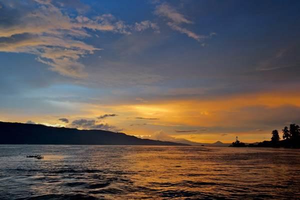 Danau Toba -  Indonesia Travel