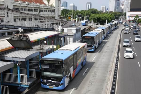 Armada bus Transjakarta - JIBI/Dedi Gunawan