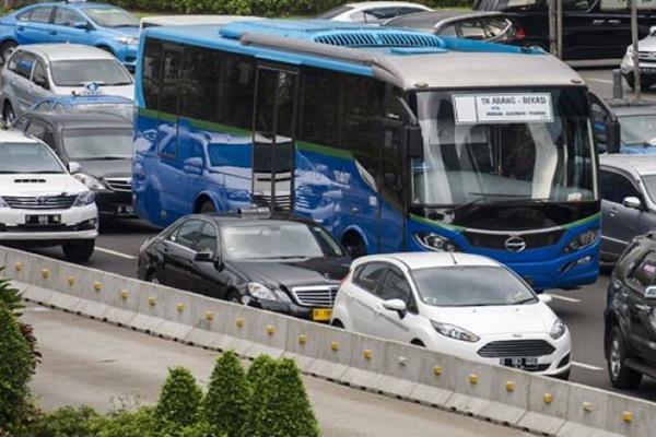 Pemkot Bekasi uji Coba Transpatriot, bus yang terintegrasi Transjakarta di Bekasi. - Antara