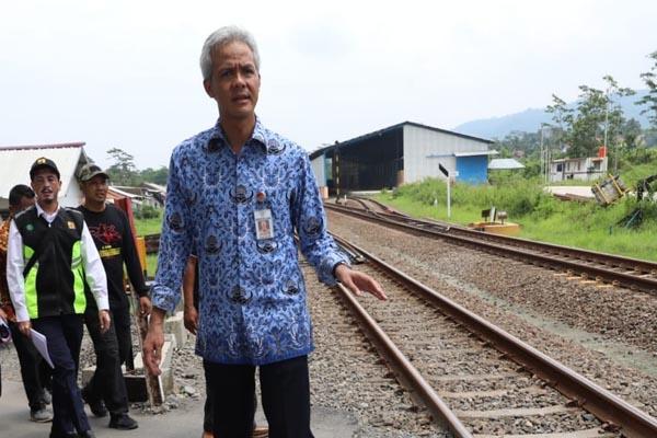 Gubernur Jawa Tengah meninjau Fly Over Kretek di Desa Taraban Kecamatan Paguyangan, Brebes - Istimewa