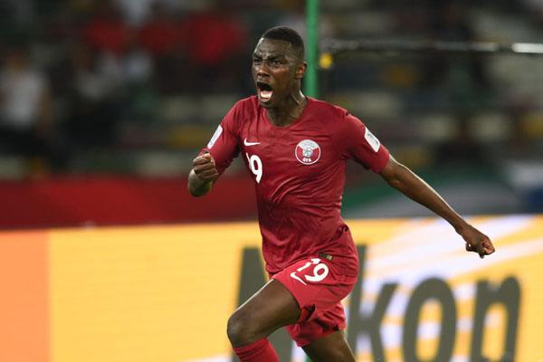 Ujung tombak Timnas Qatar Almoez Ali setelah menjebol gawang Arab Saudi. - The-AFC.com