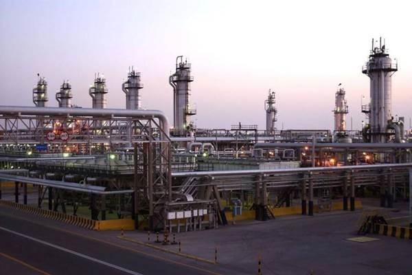 Sebuah pemandangan menunjukkan fasilitas minyak Abqaiq Saudi Aramco di Arab Saudi timur - REUTERS