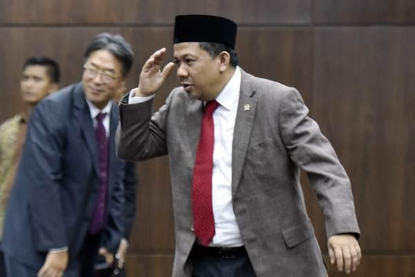 Wakil Ketua DPR Fahri Hamzah menghadiri pelantikan Ketua Mahkamah Konstitusi (MK) Arief Hidayat  di Jakarta, Jumat (14/7). - ANTARA/Wahyu Putro A