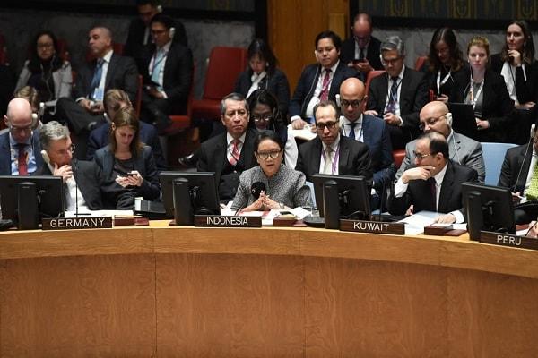 Menteri Luar Negeri Retno Marsudi bersama delegasi Indonesia dalam debat terbuka di DK PBB, New York, Selasa (22/1/2019) - Dok. Kemlu RI