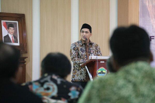 Wakil Gubernur Jawa Tengah Tak Yasin saat memberikan paparan. - Bisnis/Alif Nazzala R.