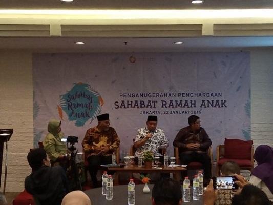 Penganugerahan Penghargaan Anak yang dilakukan di Ibis Hotel Tamarin, Menteng, Jakarta. - Putri Salsabila