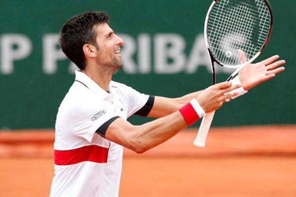 Petenis Serbia Novak Djokovic - Reuters/Pascal Rossignol