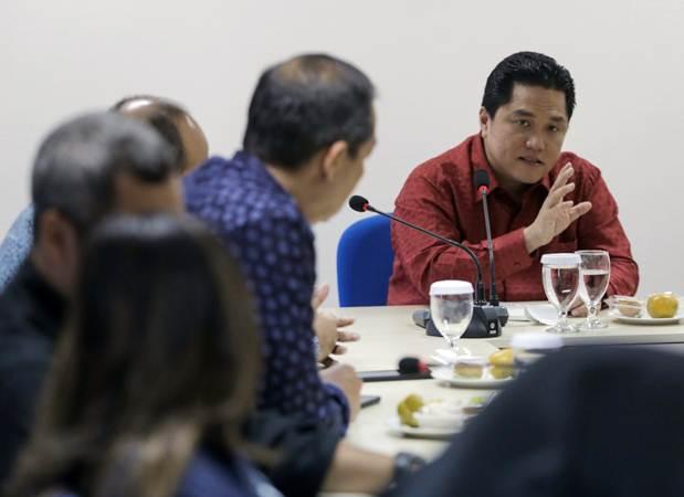 Ketua Tim Kampanye Nasional (TKN) Joko Widodo-Maruf Amin, Erick Thohir berdiskusi dengan awak redaksi saat berkunjung ke Kantor Bisnis Indonesia, di Jakarta, Rabu (23/1/2019). - Bisnis/Felix Jody Kinarwan