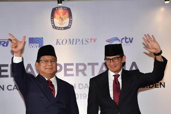 Capres-cawapres nomor urut 02 Prabowo-Sandiaga Uno tiba untuk mengikuti debat pertama Pilpres 2019, di Hotel Bidakara, Jakarta, Kamis (17/1/2019). - ANTARA/Aprillio Akbar