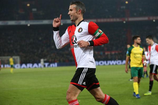 Kapten tim Feyenoord Rotterdam Robin van Persie selepas menjebol gawang Fortuna Sittard. - Twitter@Feyenoord