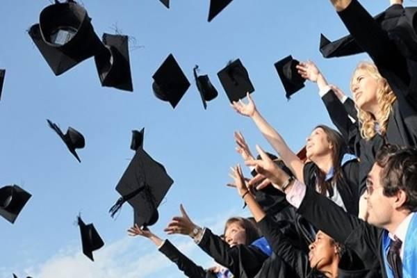 Ilustrasi lulusan perguruab tinggi. - Istimewa