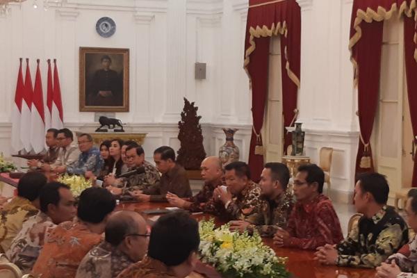 Presiden Joko Widodo bertemu dengan para pelaku industri beras untuk membahas stok dan harga komoditas tersebut di Istana Kepresidenan, Jakarta, Kamis (24/1/2019). - Bisnis/Yodie Hardiyan