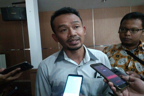 Humas dan Hubungan Antar Lembaga, Bawaslu Jateng, Rofiuddin saat memberikan keterangan kepada wartawan. - Bisnis/Alif Nazzala R.