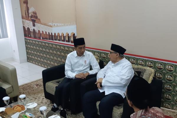 Presiden Joko Widodo bertemu dengan Quraish Shihab di Pesantren Bayt Al-Quran Pondok Cabe, Tangerang Selatan, Banten, Jumat (25/1/2019). - Bisnis/Yodie Hardiyan