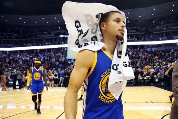 Guard Golden State Warriors Stephen Curry - Reuters