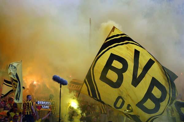 Suporter Borussia Dortmund - Reuters/Michael Dalder