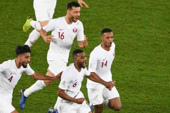 Ekspresi pemain Qatar Abdelaziz Hatim (nomor 6) - Reuters