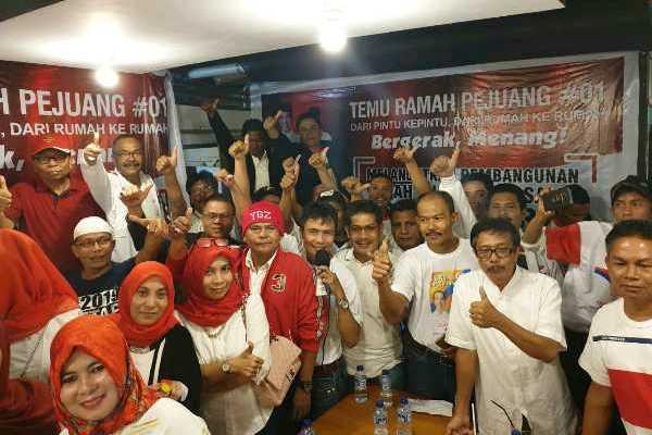 Ratusan lintas tokoh berpengaruh di Payakumbuh dan Limapuluh Kota, Sumatra Barat, bersama relawan dari beragam sayap, bertekad merontokan lumbung suara capres Prabowo Subianto pada 2014 lalu di Ranah Minang.