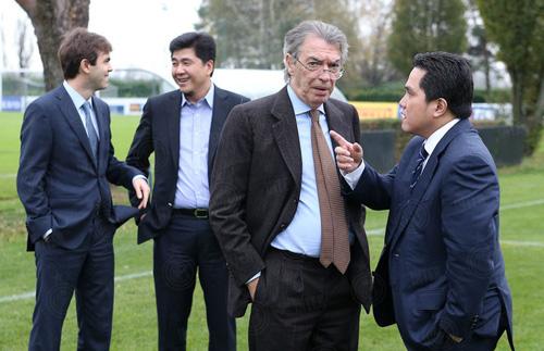 Erick Thohir (kanan) sesaat setelah mengambil alih Inter Milan bersama Massimo Moratti