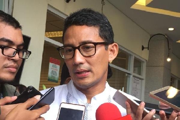 Sandiaga Uno melayat mendiang pendiri Grup Sinar Mas Eka Tjipta Widjaja, Minggu (27/1/2019) - Bisnis/Aziz R