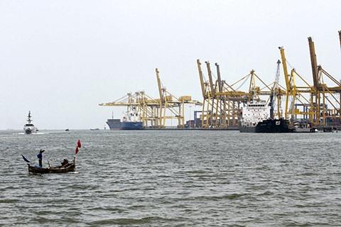 Pelabuhan Belawan International Container Terminal (BICT), salah satu urat nadi perekonomian Sumatra Utara, Kamis (26/3/2015). - Antara/Irsan Mulyadi