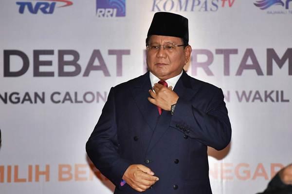 Capres nomor urut 02 Prabowo Subianto tiba untuk mengikuti debat pertama Pilpres 2019, di Hotel Bidakara, Jakarta, Kamis (17/1/2019). - ANTARA/Aprillio Akbar