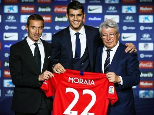 Striker Alvaro Morata (tengah) - Yahoo