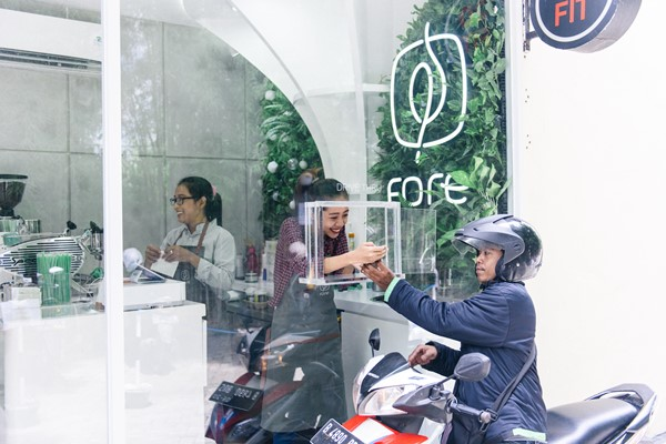 Gerai drive-through Fore Coffee - Fore Coffee